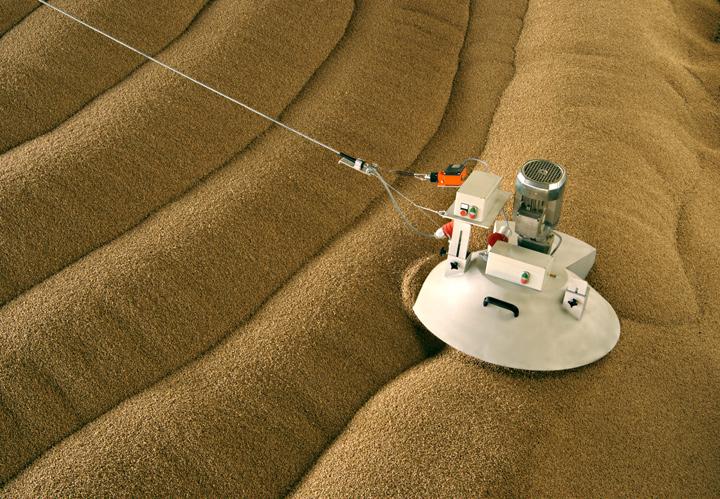 remue grains fontaine silo sp cialiste du stockage et. Black Bedroom Furniture Sets. Home Design Ideas
